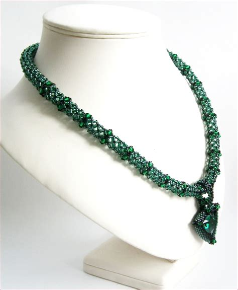 beadwork green zamarad emerald green pendant beadwork necklace