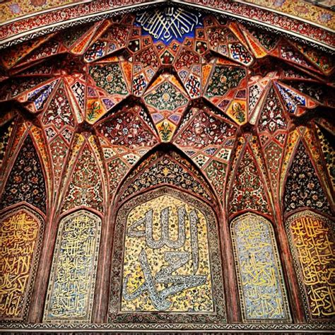 Reliving The Past In Lahore?s Wazir Khan Mosque