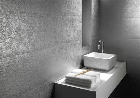 graue fliesen badezimmer graue fliesen bad die besten 17 ideen zu graue fliesen