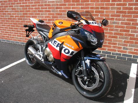 Honda Blade Repsol paintwork galleries machine
