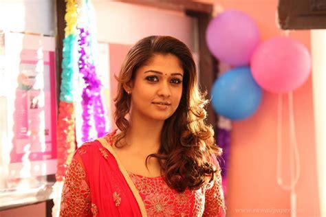 nayanthara cute themes download actress nayanthara cute stills download girls wallpapers