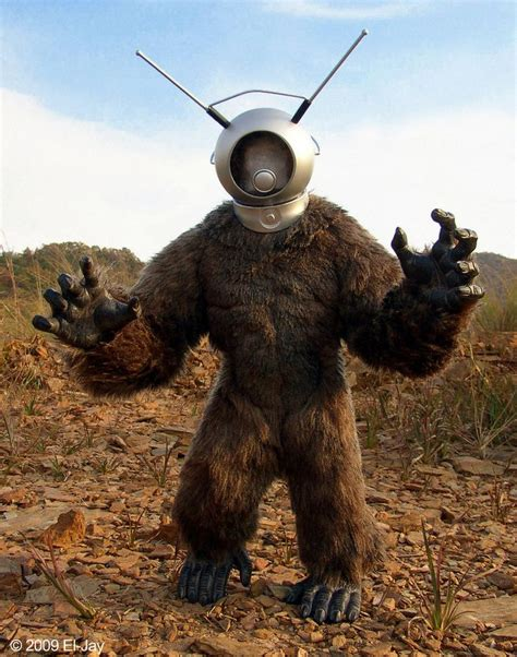 film robot melawan monster retro robot monster kaiju pinterest the o jays art