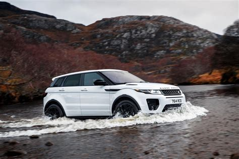 range rover engine land rover introduces more ingenium engines cars co za