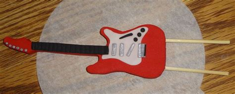 guitar templates for cakes fondant guitar i used the guitar templates from