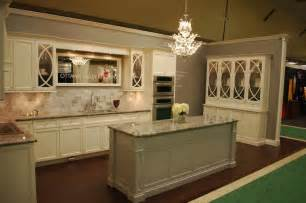 Kitchen Colors With Cream Cabinets by Cream Kitchen Cabinets White Marble Countertop Design Ideas