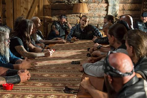 Sons Of Anarchy Meeting Table Sons Of Anarchy Season 6 Episode 6 Salvage Recap Vincent Noon And The Burning