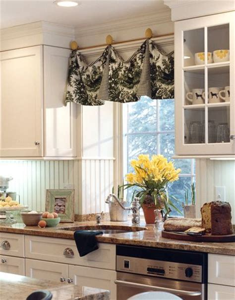 Kitchen Without Cornice by 17 Best Images About Cornices Valances On