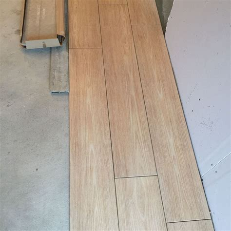 Joint Carrelage Imitation Parquet by Joint Carrelage Imitation Parquet Sedgu