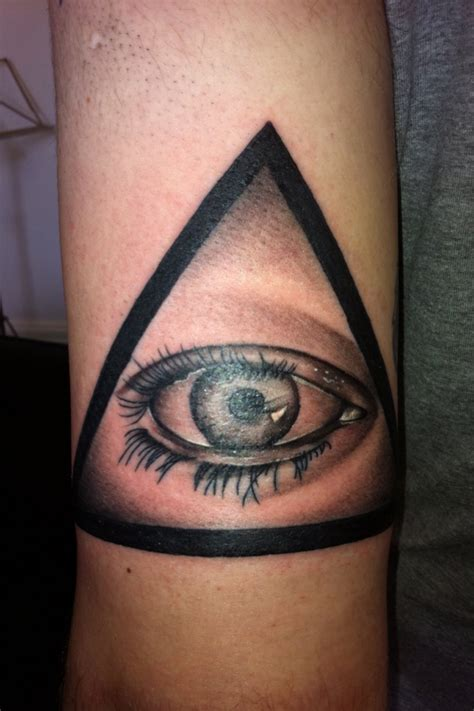 eyeball tattoo satanic illuminati eye tattoo www imgkid com the image kid has it