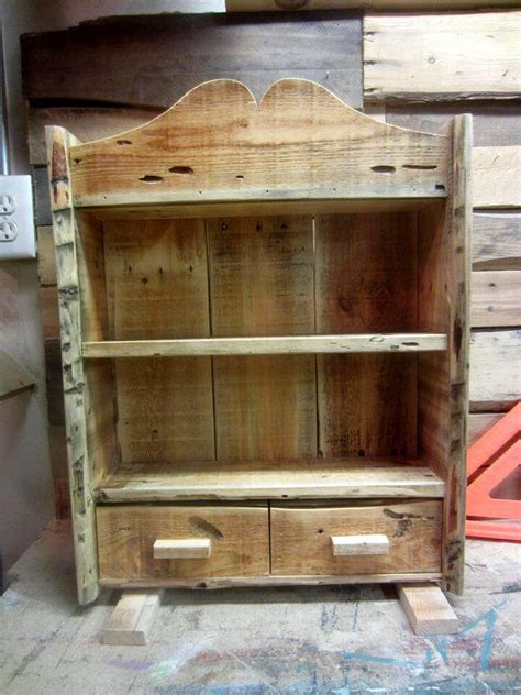diy spice rack from wood pallet rustic pallet spice rack 101 pallets