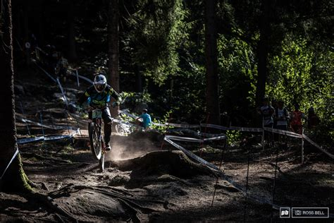 Kaos Running Kookie Vals the battle begins practice 2017 val di sole dh world cup pinkbike