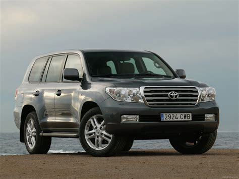 Toyota Land Cruiser V8 (2010)