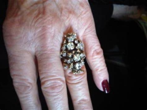 10 interesting read engagement rings bridezilla