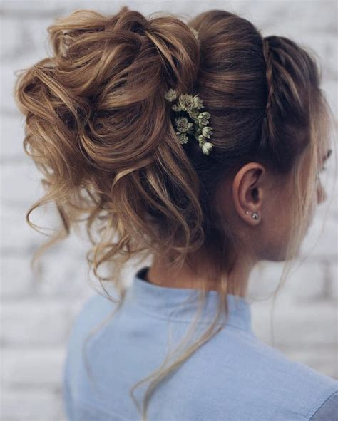 bridal hairstyles messy bun 25 best ideas about perfect messy bun on pinterest