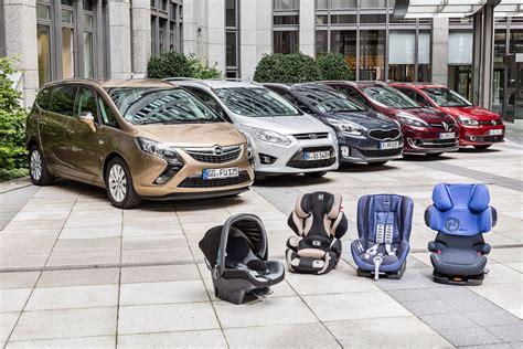 Schnellstes Auto Mit 4 Sitzen by F 252 Nf Kompaktvans Im Kindersitz Test Bilder Autobild De