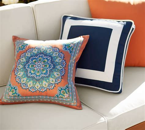 Pottery Barn Outdoor Pillow by Indoor Outdoor Pillow Pottery Barn