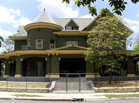 imagenes de casas verdes fachadas de casas pintadas de color verde
