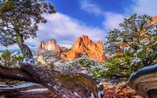 Garden Of The Gods Wallpaper Garden Of The Gods Colorado Winter Snow Pine Tree Sky