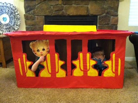 daniel tiger trolley bed the gallery for gt daniel tiger trolley pajamas