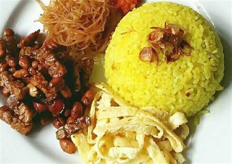 resep nasi kuning wangi  gurih ala rieska oleh