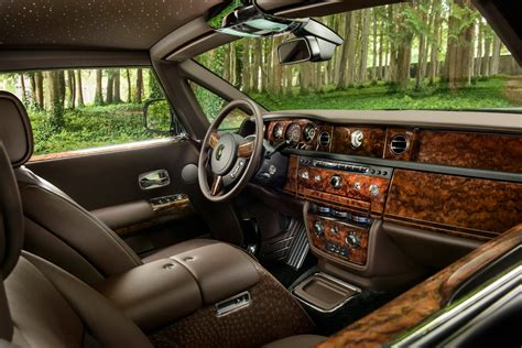 rolls royce gold interior rolls royce bespoke one quot liquid gold quot phantom coupe