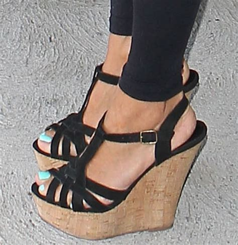 longoria rocks steve madden s wildness wedge sandals