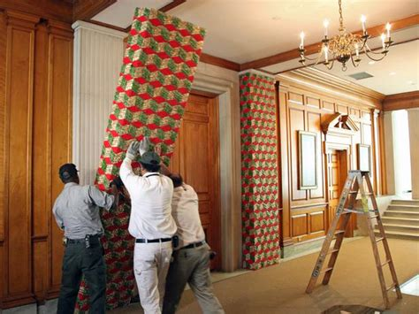 how to decorate indoor column for xmas visiting the white house at