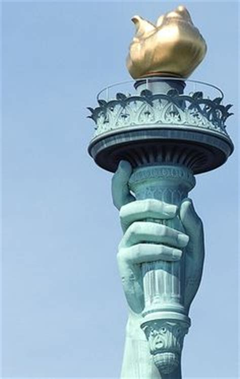 how do you that liberty statue is symbol the statue of liberty torch pixshark com images