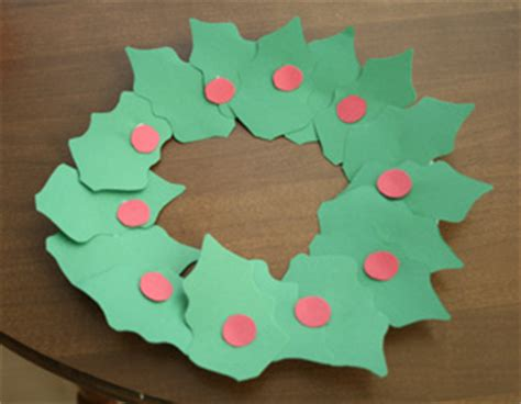 printable paper holly wreath holly leaf wreath craft all kids network