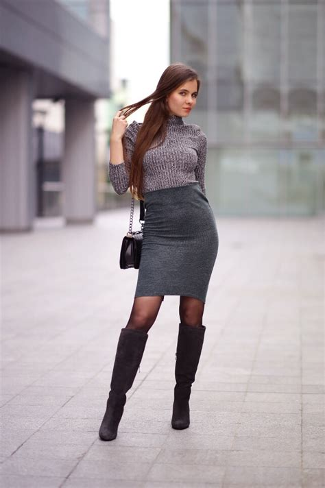 gray turtleneck sweater green pencil skirt black tights