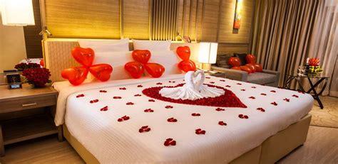 Decorating Ideas For Wedding Hotel Room Wedding Room Decoration On A Budget