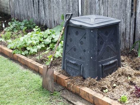 start composting  home  guide  beginners