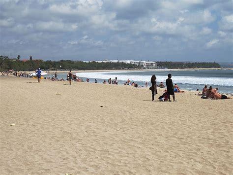 suasana indah pantai kuta bali tempat wisata foto gambar wallpaper