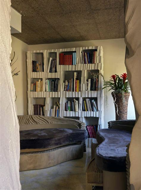 futuristic cave house  tiziana serretta  milan