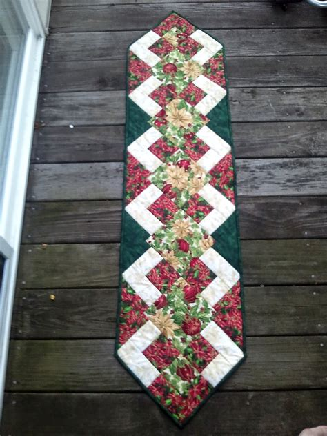 pattern christmas table runner the recipe bunny christmas table runner and tutorial