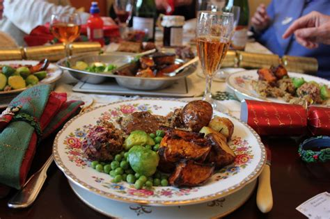 images of christmas dinner green gourmet giraffe a vegetarian christmas dinner in