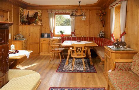 tischle rustikal wohnen tischlerei karnische massiv m 246 bel gmbh kirchbach