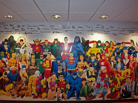 Hollywood Wall Mural the frame dc comics says bye to nyc hello to burbank