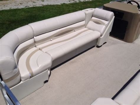 bay boats with twin outboards south bay tritoon pontoon 927 cr tt d twin outboard boat