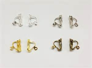 support boucles d oreilles clip