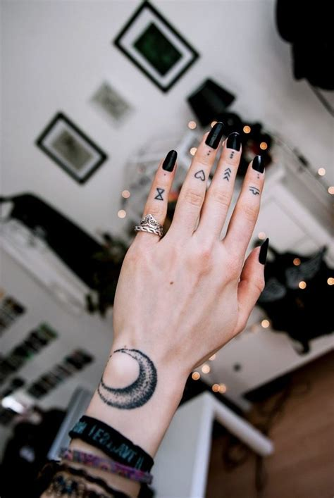 best 25 finger tats ideas collection of 25 cool finger tattoos