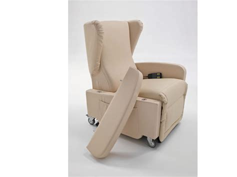 poltrone per invalidi poltrona con ruote per disabili e anziani
