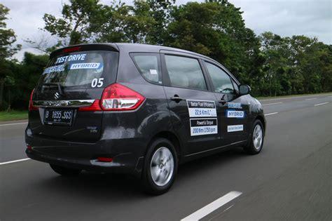Kopling Mobil Ertiga suzuki ertiga diesel hybrid nyaman dan tangguh di tanjakan otospirit
