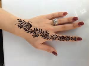 henna tattoo on left hand palm