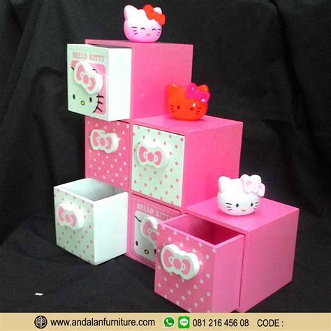 Lemari Kayu Hello Kity aksesoris model lemari buku rak minimalis hello warna pink murah furniture jepara klasik