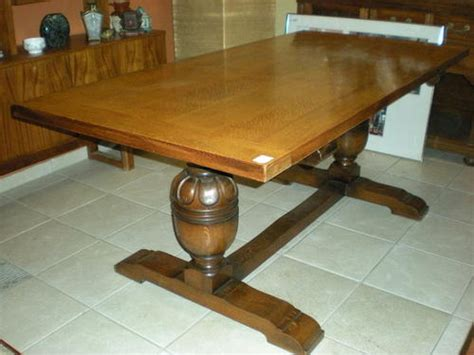 Shepherds Table by Tables Stunning Solid Oak 8 Seater Table By Shepherd And Barker Was Sold For R3 150 00 On