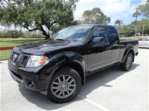 nissan frontier bed liner buy new 2012 nissan frontier sv 4x4 king cab 918 miles