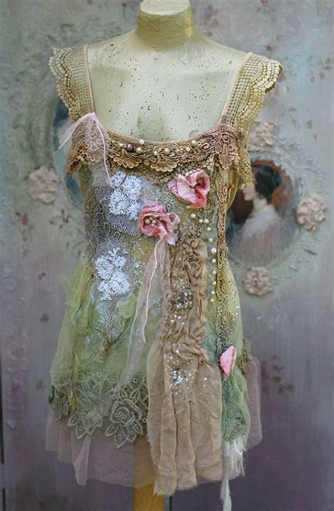 Shabby Top by 25 Best Ideas About Shabby Chic Clothing On