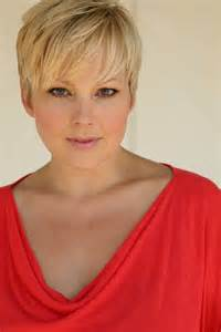 plus size model hairstyles short cut pixie haircuts hairstyles highlights hair