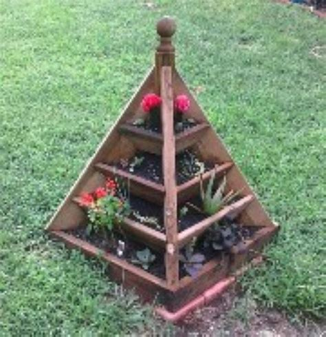 Wooden Pyramid Planter by 3 And 6 Ft Pyramid Planter Plans Other Files Patterns